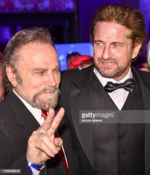 70th Berlinale Cinema for Peace Gala The actors Franco Nero and Gerard Butler The International Film Festival takes place from 2002 to Photo Jens...