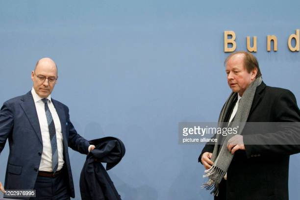 February 2020, Berlin: Alexander Wolf , Co-Chairman of the AfD Citizenship Group in Hamburg, and Dirk Nockemann, AfD top candidate, are about to...