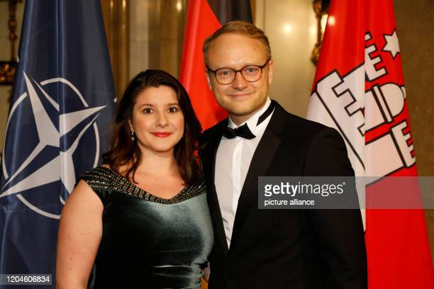 February 2020, Hamburg: Michael Kruse , Chairman of the FDP parliamentary group in the Hamburg Parliament, and Monika Lucht will attend the...