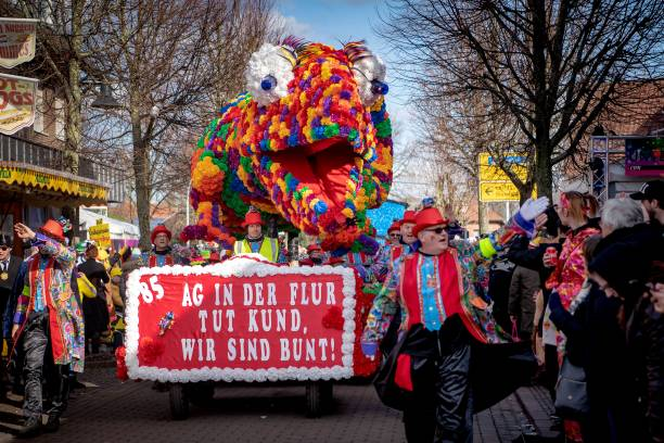 DEU: Dammer Rose Monday Procession - Always A Week Earlier