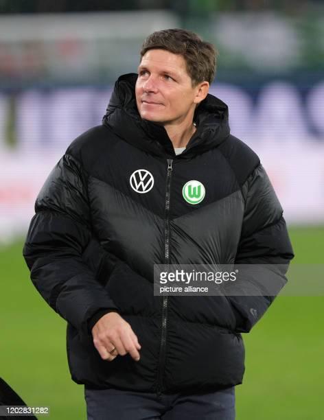 23 February 2020 Lower Saxony Wolfsburg Football Bundesliga VfL Wolfsburg FSV Mainz 05 23rd matchday in the Volkswagen Arena Wolfsburg's coach Oliver...