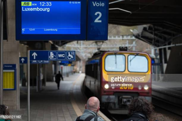 February 2020, Luxembourg, Luxemburg: A train of the Luxembourg Railway enters the station Pfaffenthal-Kirchberg. As of today, local public transport...