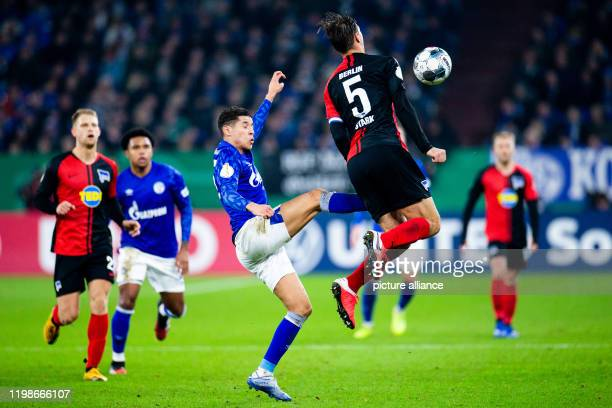 February 2020, North Rhine-Westphalia, Gelsenkirchen: Soccer: DFB-Pokal, FC Schalke 04 - Hertha BSC Berlin, Round of 16 in the Veltins-Arena....