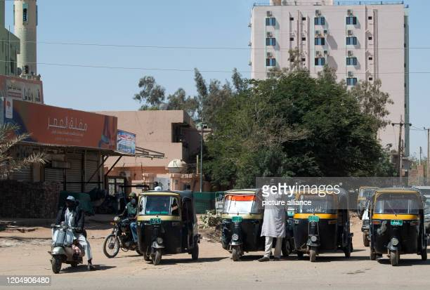 February 2020, Sudan, Khartum: Autorickshaws are located in the centre of Khartoum in Sudan. Photo: Bernd von Jutrczenka/dpa