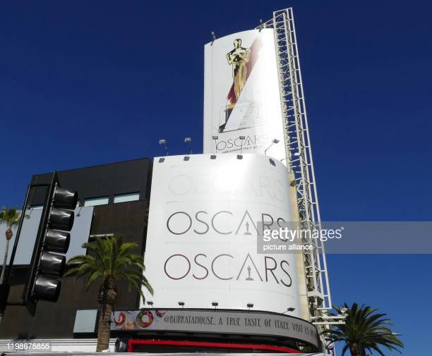 February 2020, US, Los Angeles: On Hollywood Boulevard, attention is drawn to the upcoming Oscar ceremony at the Dolby Theatre. The Oscar winners...