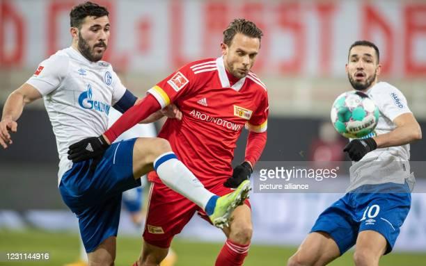February 2021, Berlin: Football: Bundesliga, 1. FC Union Berlin - FC Schalke 04, Matchday 21, Stadion An der Alten Försterei. Berlin's Marcus...
