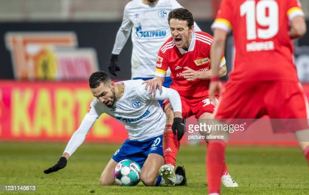 February 2021, Berlin: Football: Bundesliga, 1. FC Union Berlin - FC Schalke 04, Matchday 21, Stadion An der Alten Försterei. Schalke 04's Nabil...