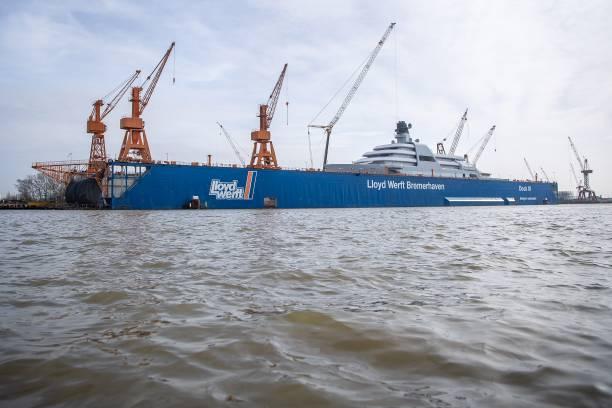 DEU: Lloyd Shipyard On The Brink Of Closure