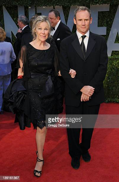 February 22 2009 West Hollywood Ca Catherine O'Hara and husband Bo Vanity Fair Oscar Party 2009 Held at the Sunset Tower Hotel