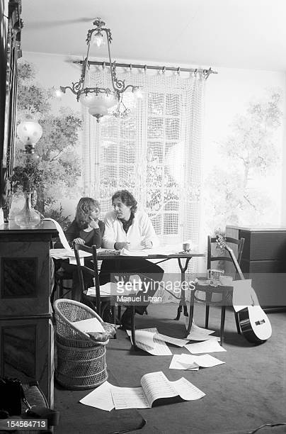February 24 the actress Elisabeth Depardieu at home at his home in Bougival with composer Francois Bernheim Together they wrote songs on the floor...
