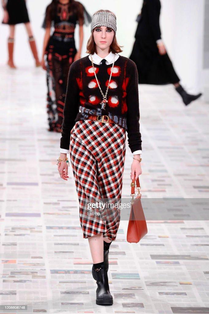 Dior : Runway - Paris Fashion Week Womenswear Fall/Winter 2020/2021 : Nachrichtenfoto