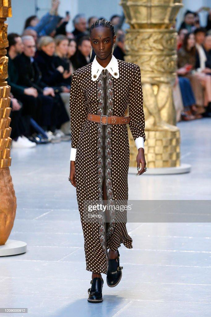 Chloe : Runway - Paris Fashion Week Womenswear Fall/Winter 2020/2021 : ニュース写真