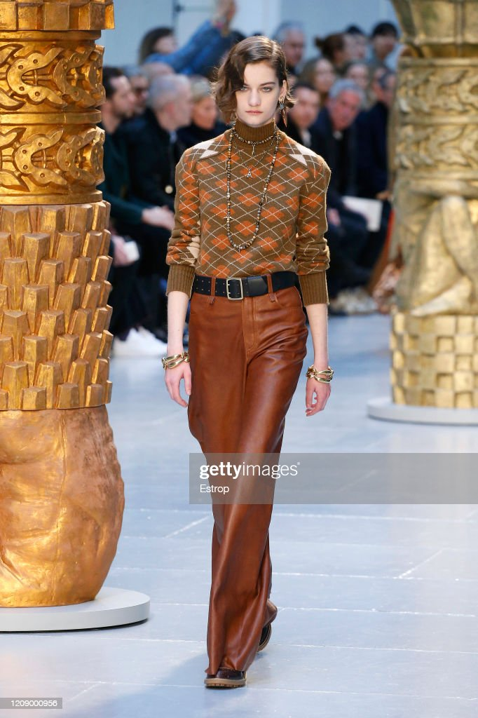 Chloe : Runway - Paris Fashion Week Womenswear Fall/Winter 2020/2021 : ニュース写真