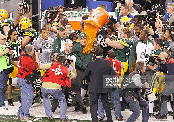 Green Bay Packers head coach Mike McCarthy is given a Gatorade bath in celebration as time expires and the Green Bay Packers defeat Pittsburgh...