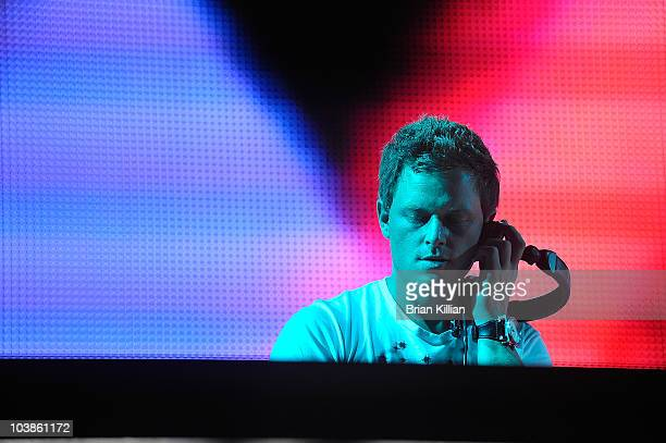 Fedde Le Grand performs during day 2 of 2010 Electric Zoo held at Randall's Island Park on September 5 2010 in New York City