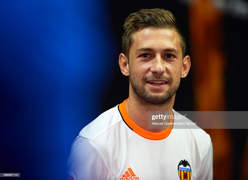 Fede Cantabria of Valencia looks on during the team official presentation ahead of the pre-season friendly match between Valencia CF and AC Fiorentina at Estadio Mestalla on August 13, 2016 in Valencia, Spain.
