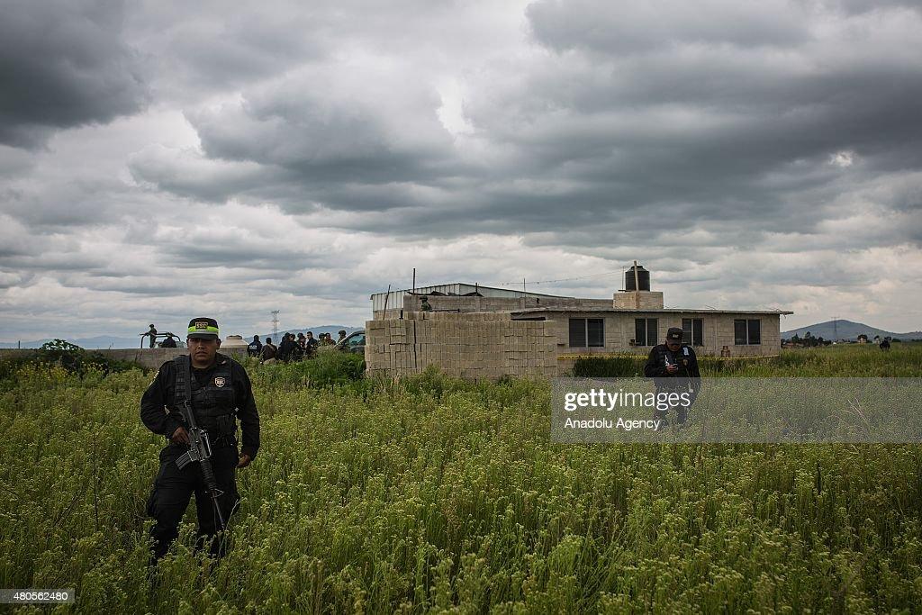 Mexican drug lord Joaquin 'El Chapo' Guzman escapes from prison : News Photo
