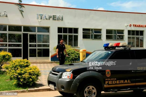 イタペビの連邦警察の活動 - 連邦警察 ストックフォトと画像