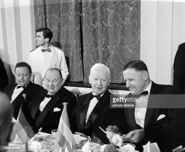 Federal President Heinrich Lübke at the traditionel banquet of the IberoAmerican association on 12th October 1961 in Hotel Atlantik in Hamburg To be...