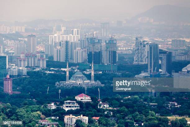 federal territory mosque in kuala lumpur - gwengoat stock pictures, royalty-free photos & images
