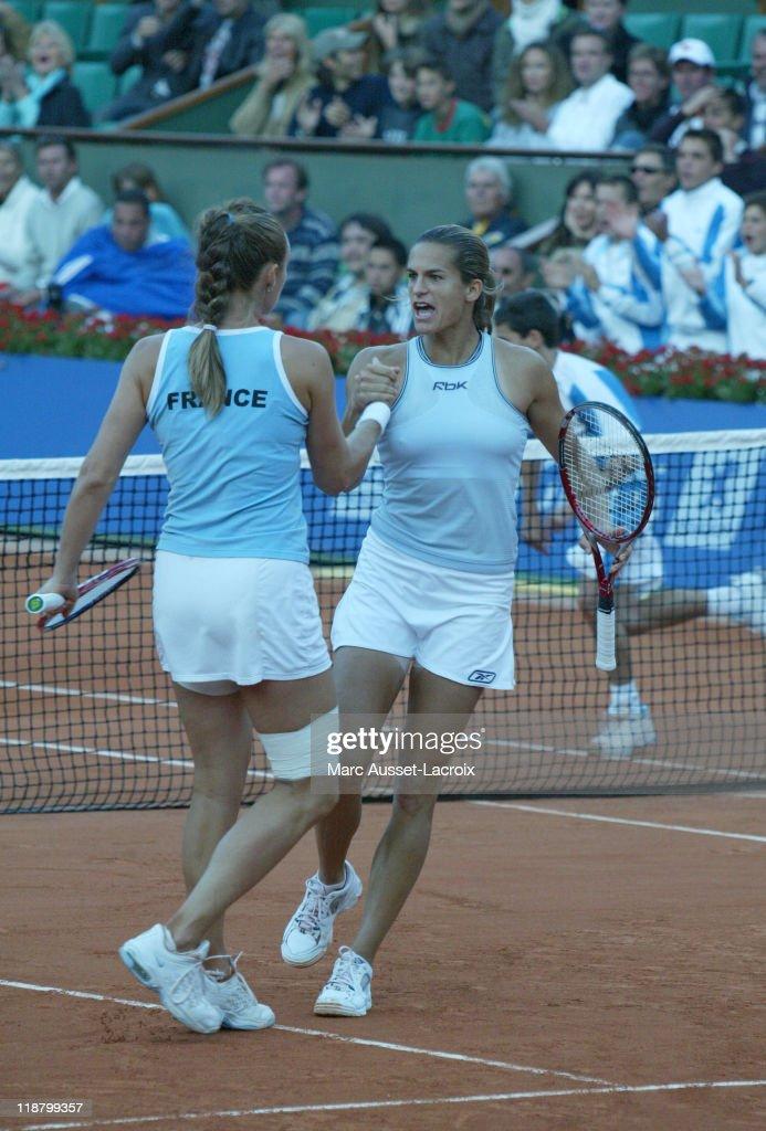 Fed Cup  Final - France vs Russia - September 18, 2005 : ニュース写真