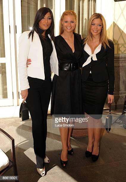 Federica Nargi Costanza Caracciolo and Michelle Hunziker attend the 2008 E' Giornalismo award on March 26 2009 in Milan Italy Attilio Bolzoni of 'la...
