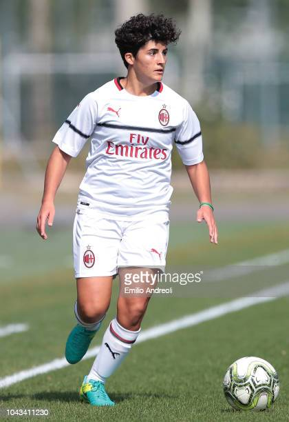 Federica Rizza of AC Milan in action during the Serie A match between AC Milan Women and Fiorentina Women at Campo Sportivo Vismara on September 30...