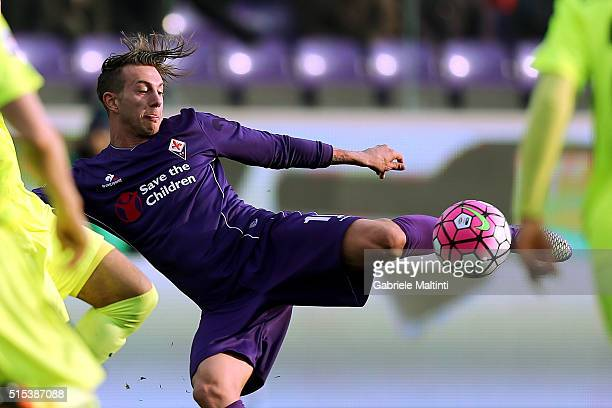 Federico Bernardeschi of ACF Fiorentina in action during the Serie A match between ACF Fiorentina and Hellas Verona FC at Stadio Artemio Franchi on...