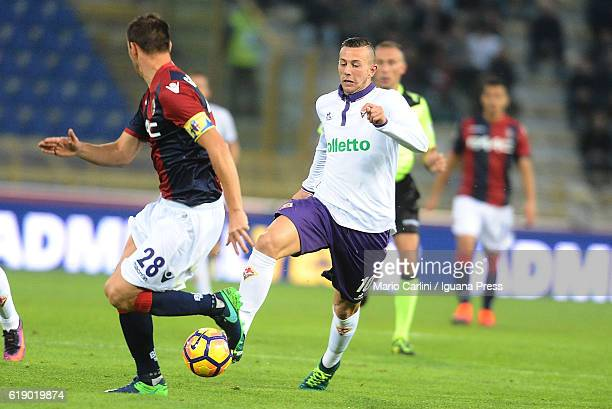 Federico Bernardeschi of ACF Fiorentina in action during the Serie A match betweenBologna FC and ACF Fiorentina at Stadio Renato Dall'Ara on October...