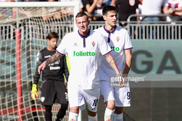 Federico Bernardeschi of Fiorentina celebrates his goal during the Serie A match between Cagliari Calcio and ACF Fiorentina at Stadio Sant'Elia on...