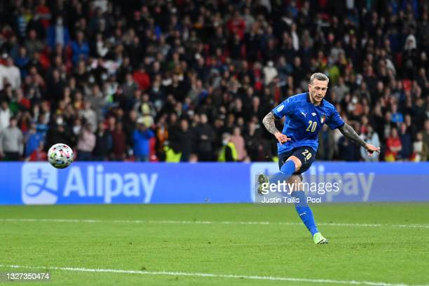 Federico Bernardeschi of Italy scores his team's fourth penalty in a penalty shoot out during the UEFA Euro 2020 Championship Semi-final match...