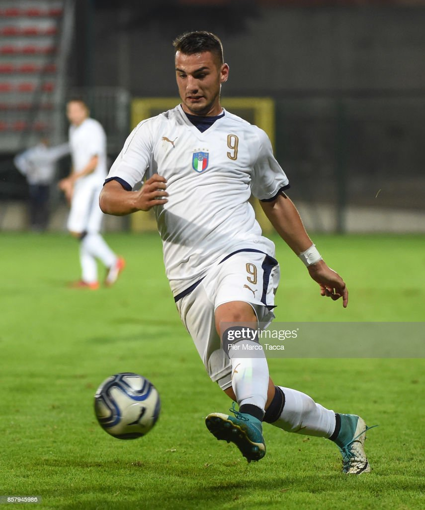 Federico Bonazzoli of Italy U20 in action during the 8 Nations Tournament match between Italy U20 and England U20 on October 5, 2017 in Gorgonzola, Italy.