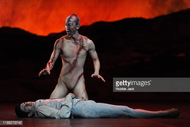 Federico Bonelli as Victor Frankenstein and Wei Wang as The Creature with Artists of the company in The Royal Ballet's production of Liam Scarlett's...