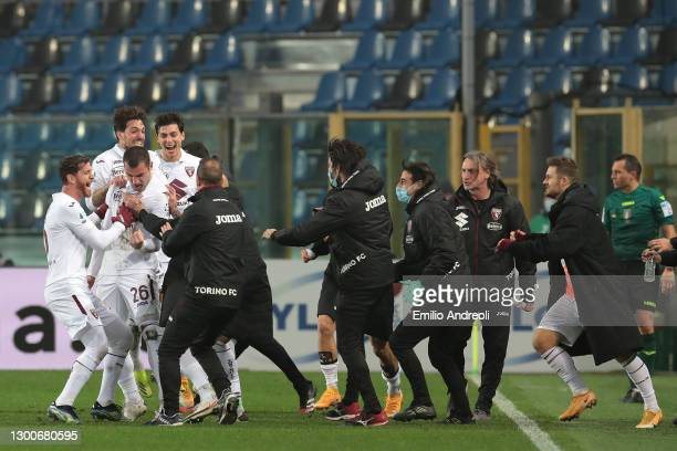 Federico Bonzzoli of Torino FC celebrates with team mates after scoring their side's third goal during the Serie A match between Atalanta BC and...