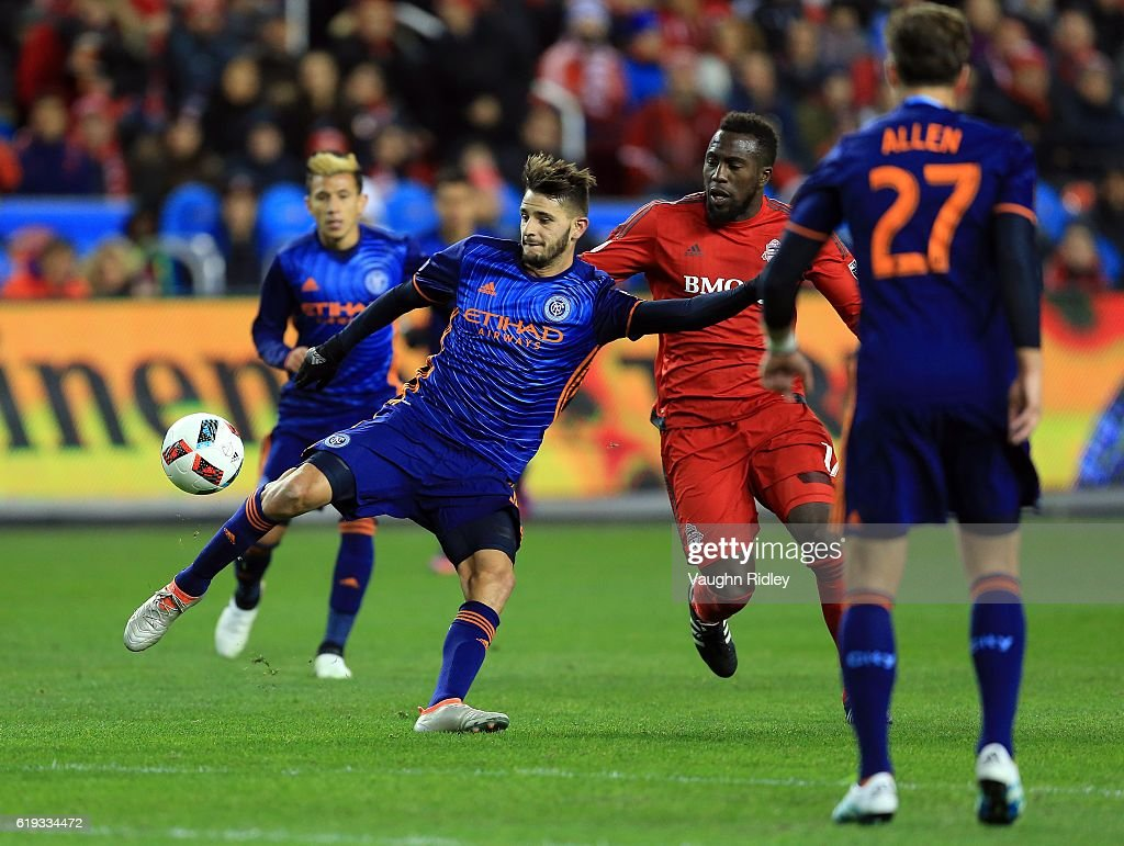 Audi 2016 MLS Cup Playoff Semifinal - New York City FC v Toronto FC : News Photo