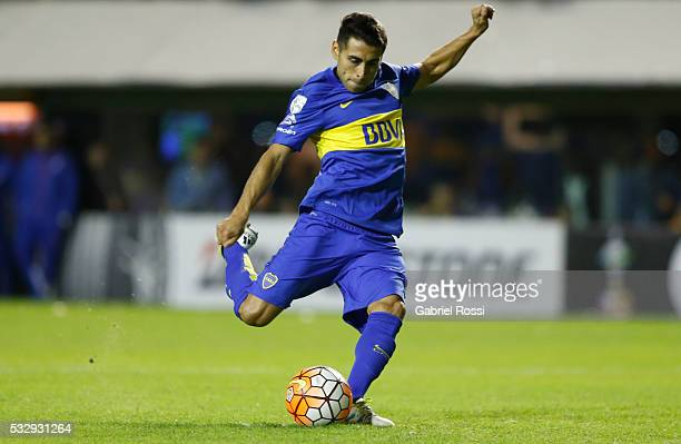 Federico Carrizo of Boca Juniors kicks from the penalty spot during a second leg match between Boca Juniors and Nacional as part of quarter finals of...