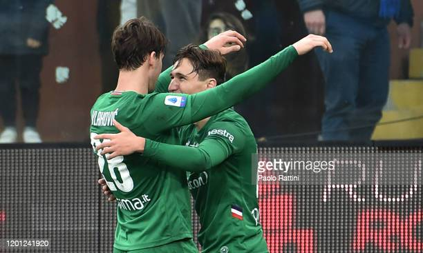 Federico Chiesa of ACF Fiorentina celebrate with Dusan Vlahovic after penalty for 03 during the Serie A match between UC Sampdoria and ACF Fiorentina...
