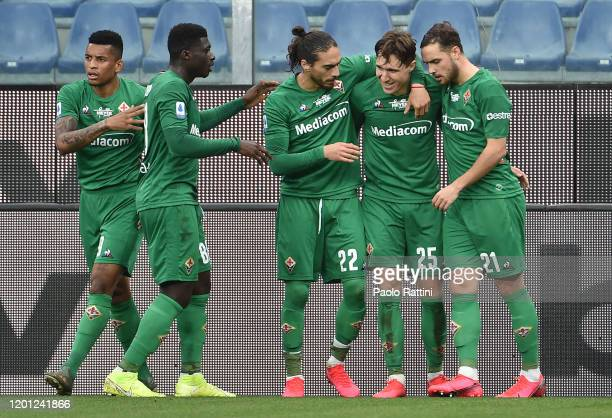 Federico Chiesa of ACF Fiorentina celebrate with teammates after score penalty during the Serie A match between UC Sampdoria and ACF Fiorentina at...