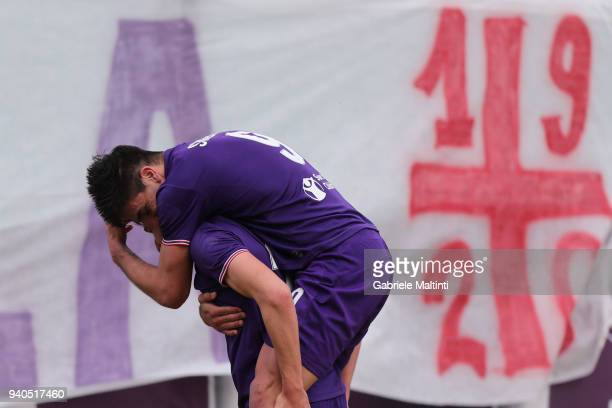 Federico Chiesa of ACF Fiorentina celebrates after scoring a goal during the serie A match between ACF Fiorentina and FC Crotone at Stadio Artemio...