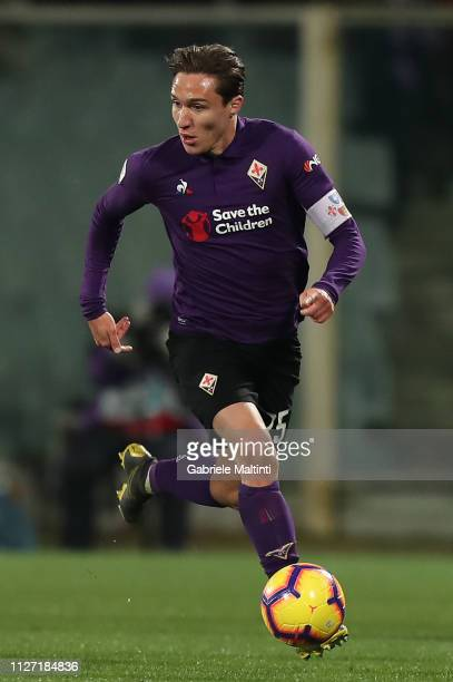 Federico Chiesa of ACF Fiorentina in action during the Serie A match between ACF Fiorentina and FC Internazionale at Stadio Artemio Franchi on...