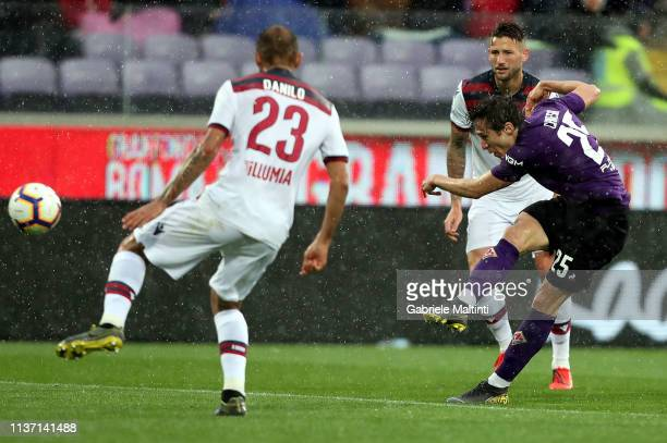 Federico Chiesa of ACF Fiorentina in action during the Serie A match between ACF Fiorentina and Bologna FC at Stadio Artemio Franchi on April 14 2019...