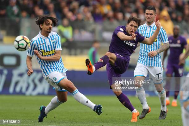 Federico Chiesa of ACF Fiorentina in action during the serie A match between ACF Fiorentina and Spal at Stadio Artemio Franchi on April 15 2018 in...