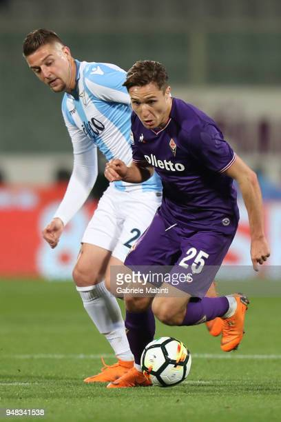 Federico Chiesa of ACF Fiorentina in action during the serie A match between ACF Fiorentina and SS Lazio at Stadio Artemio Franchi on April 18 2018...