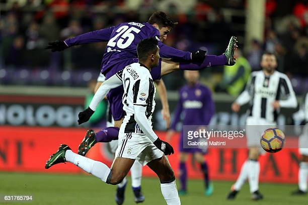 Federico Chiesa of ACF Fiorentina scores a goal during the Serie A match between ACF Fiorentina and Juventus FC at Stadio Artemio Franchi on January...