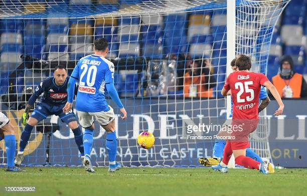 Federico Chiesa of ACF Fiorentina scores the 01 goal during the Serie A match between SSC Napoli and ACF Fiorentina at Stadio San Paolo on January 18...