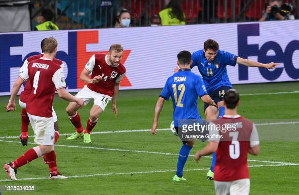 Federico Chiesa of Italy scores their side's first goal during the UEFA Euro 2020 Championship Round of 16 match between Italy and Austria at Wembley...