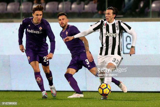 Federico Cnhiesa of ACF Fiorentina battles for the ball with Federico Bernardeschi of Juventus during the serie A match between ACF Fiorentina and...
