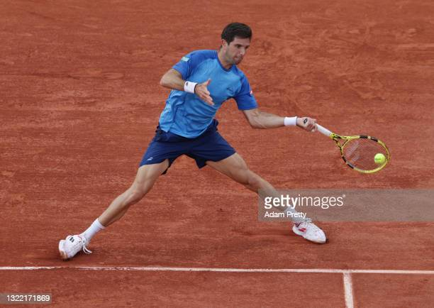 Federico Delbonis of Argentina plays a forehand during his Men's Singles fourth round match against Alejandro Davidovich Fokina of Spain on day eight...