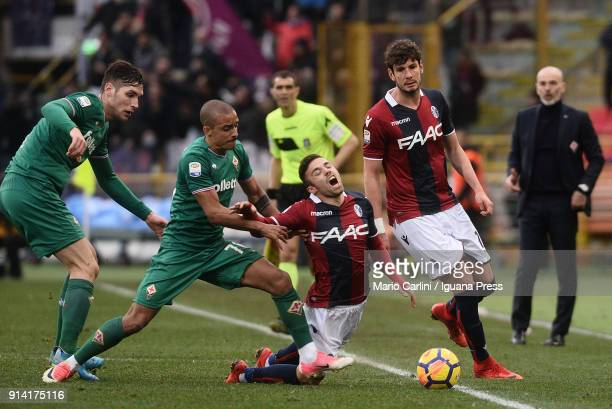 Federico Di Francesco of Bologna FC reacts during the serie A match between Bologna FC and ACF Fiorentina at Stadio Renato Dall'Ara on February 4...