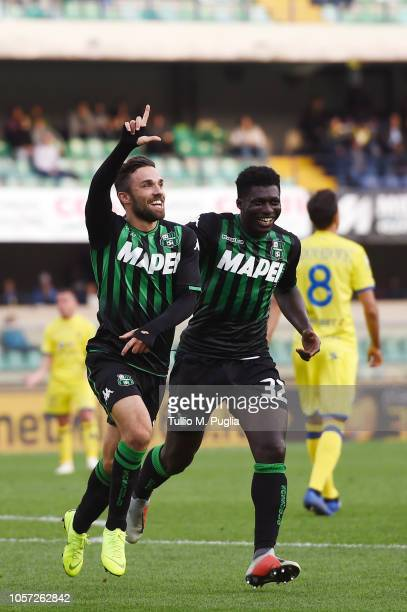 Federico Di Francesco of Sassuolo celebrates after scoring the opening goal during the Serie A match between Chievo Verona and US Sassuolo at Stadio...
